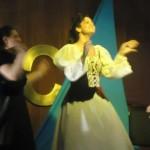 Grazi em cena na peça A Verdadeira História da Cinderela. (Aquivo Pessoal)